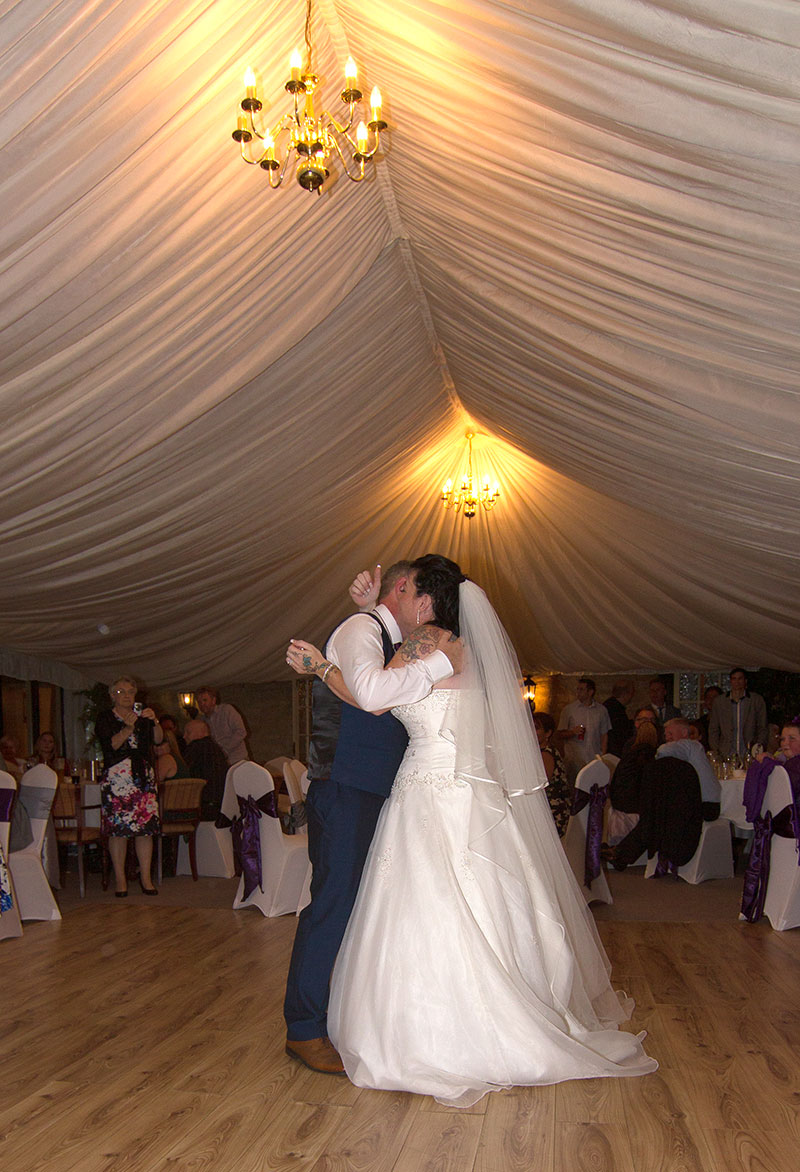 Couple's first dance - Stamford wedding photographer