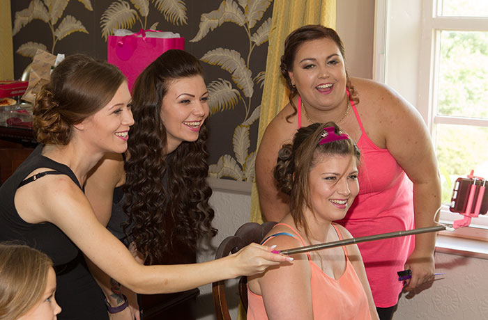 Sibson Inn Wedding Photographer - Girls Selfie